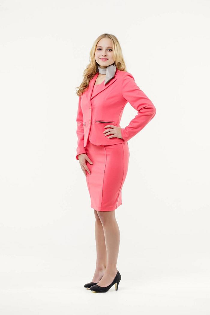 Mietkleidung Damen Businesskleidung mieten leihen online Damenkostüm Blazer Hostessenkostüm Halstuch beige